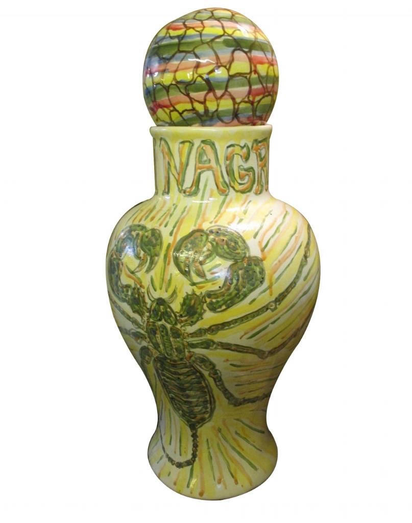 """Tibor y esfera """"Vinagrillo"""".   Elaborados en cerámica y pintados a mano."""