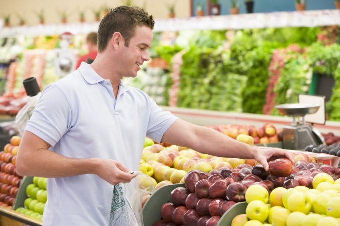 Man shopping for apples.jpg