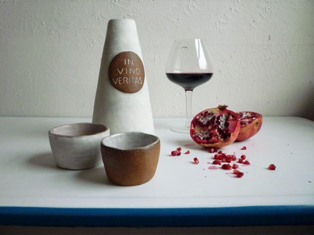 in vino veritas decanter + cups