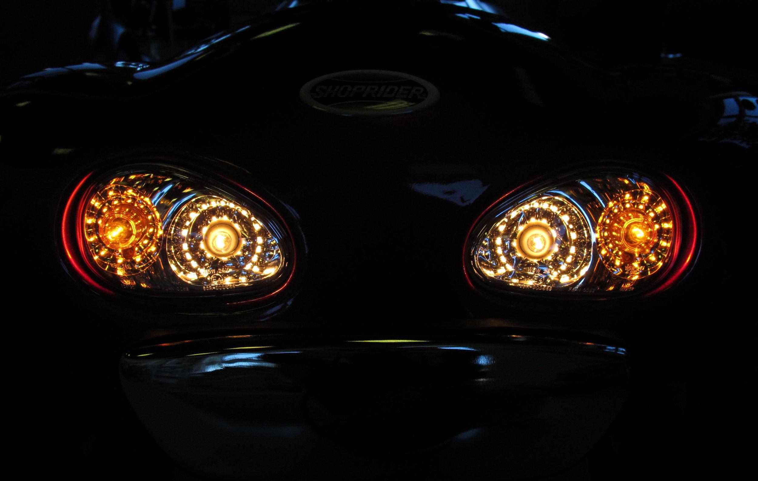 889headlight.JPG