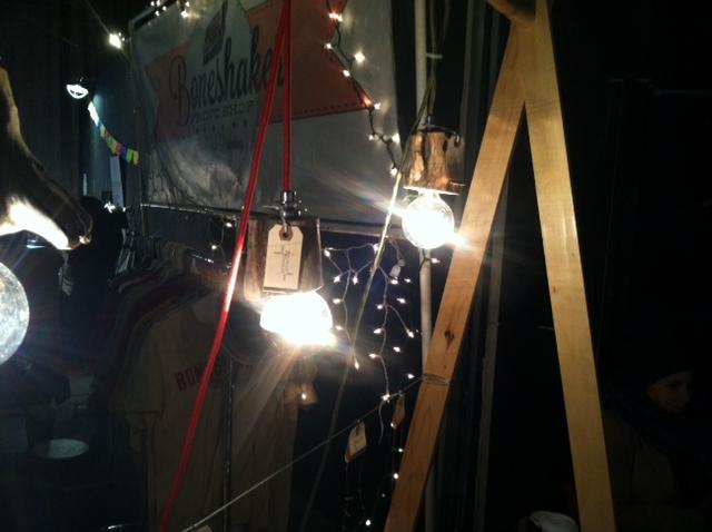 Brookside Bungalow, lights