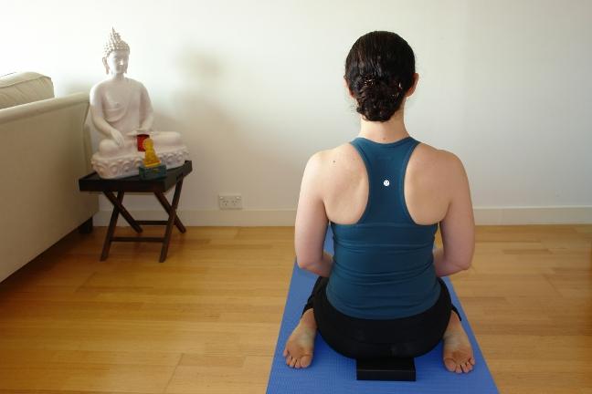 Virasana (hero pose) - yoga for tired legs