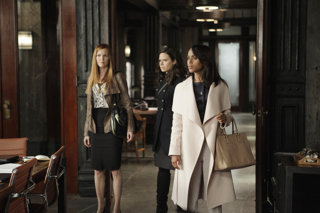 """abc.go.com   Episode: Season 2, Episode 21, """"Any Questions?"""" Designer: Ferragamo Why it was chosen: """"It was still a joyful time for Olivia, when she and Fitz were talking on the phone regularly."""" Fun Fact: Washington hated the coat at first, because it's actually pink, which Washington thought """"was too girly."""" But — surprise — the coat turned white when the camera lights were shone on the material."""