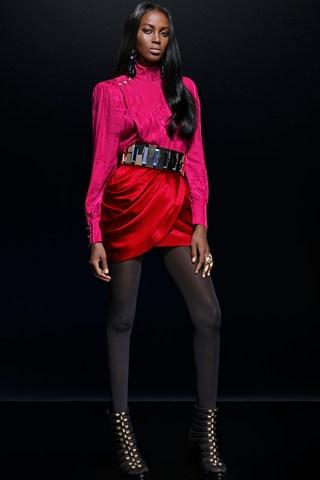 Balmain-x-H&M-002-Vogue-15Oct15_b_320x480.jpg