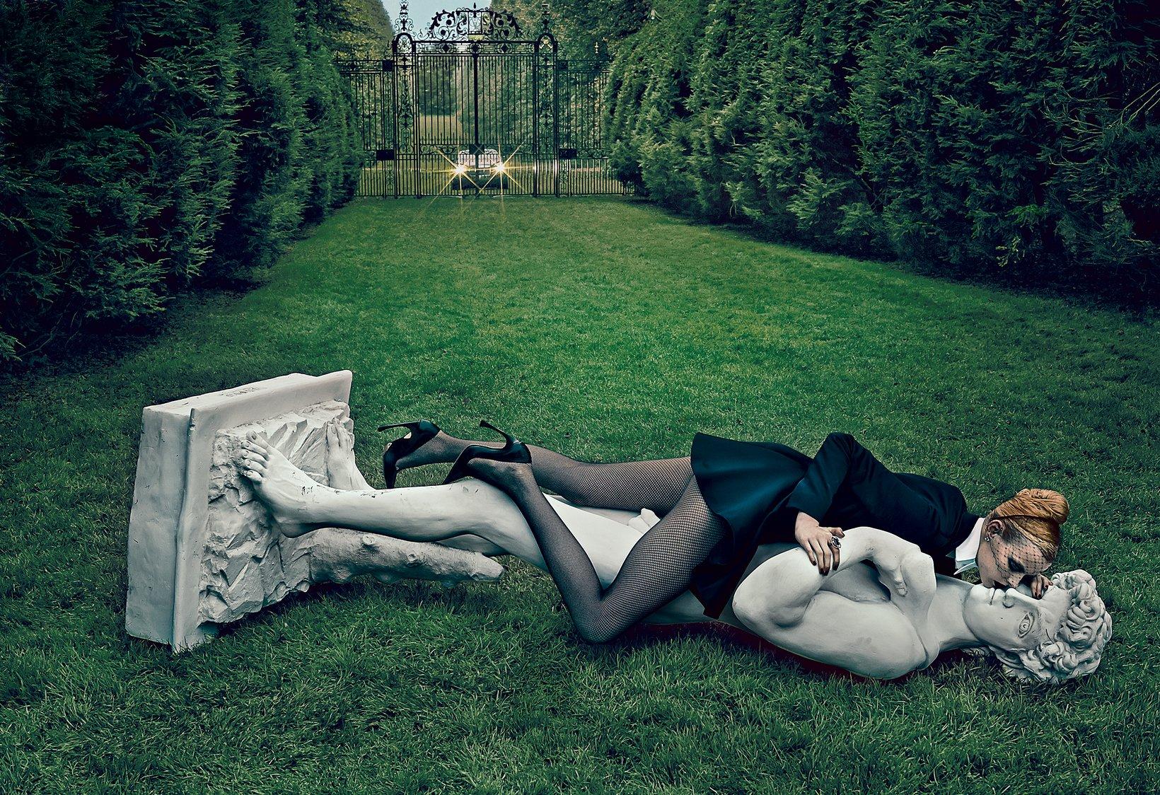 Elza Luijendijk in Christian Dior
