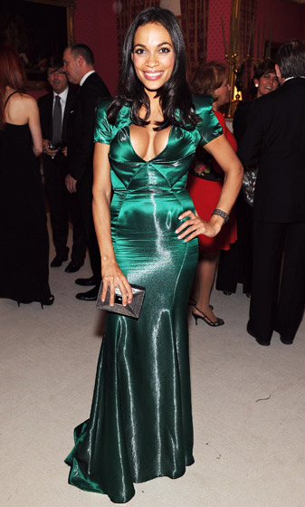 Rosario Dawson    She wore Posen to mingle with the President! The actress chose the  Project Runway judge's emerald green design for the 2012 White House Correspondents Dinner in Washington, D.C.    Read more: http://www.usmagazine.com/celebrity-style/pictures/stars-who-love-zac-posen-2013152/28519#ixzz3pha99Rq4  Follow us: @usweekly on Twitter | usweekly on Facebook