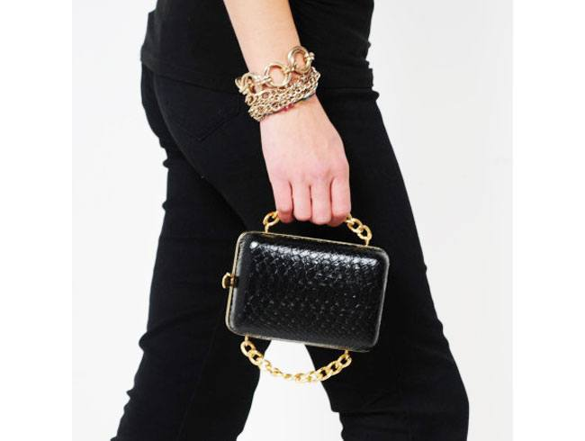 Don't stuff everything in your humongous bags. This is the season for tiny fashion and these chain strap minis are doing quite the business. Luxurious and hands-free, it gives women ample opportunity to balance that wine glass and flirt with the cute bartender!