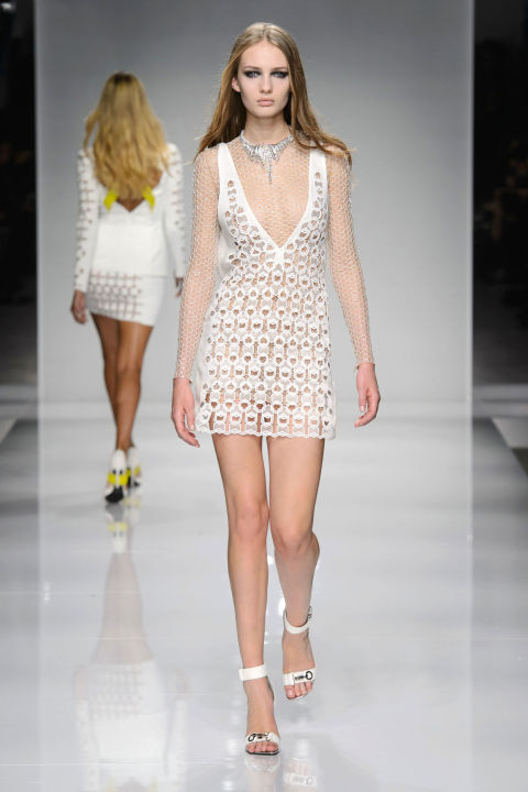 hbz-couture-spring-2016-versace-03.jpg