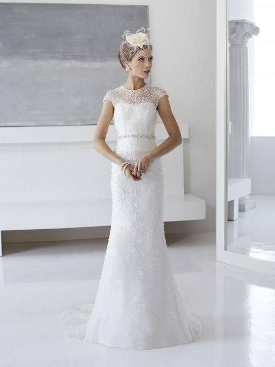 val-stefani-wedding-dresses.jpg