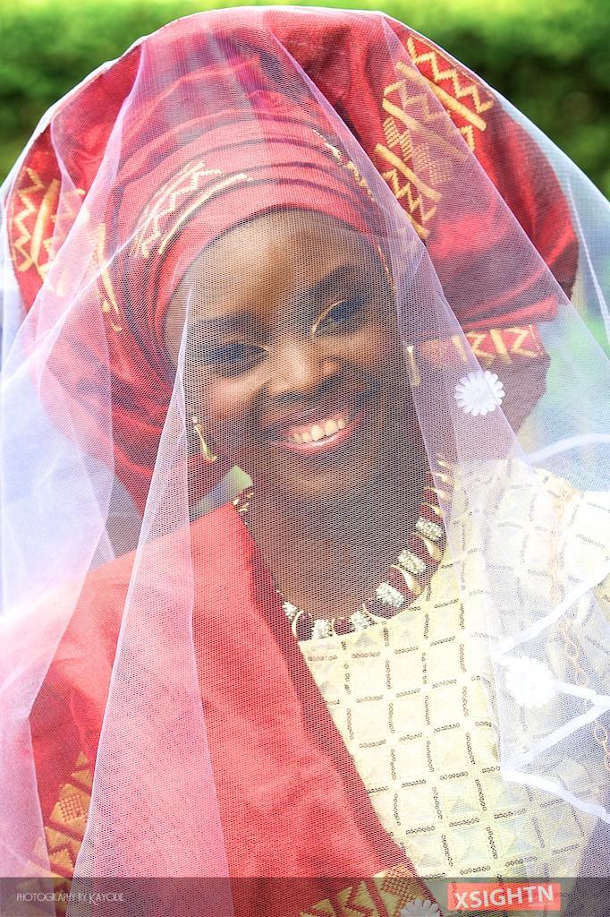nigeririan bride in a veil.jpg