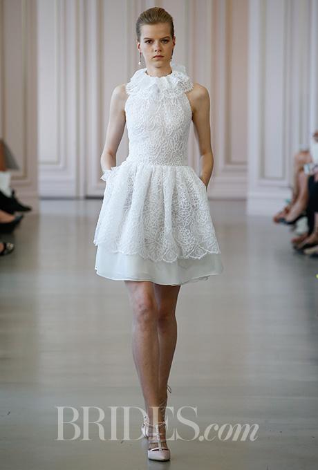 oscar-de-la-renta-wedding-dresses-spring-2016-017.jpg