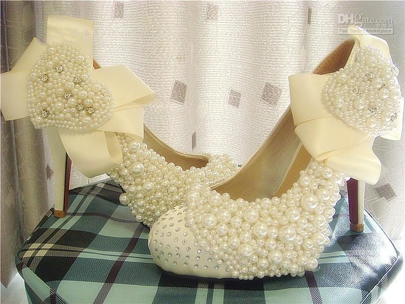 Fashion Diamond Heart-Shaped Pearl Satin Hot High Heels .