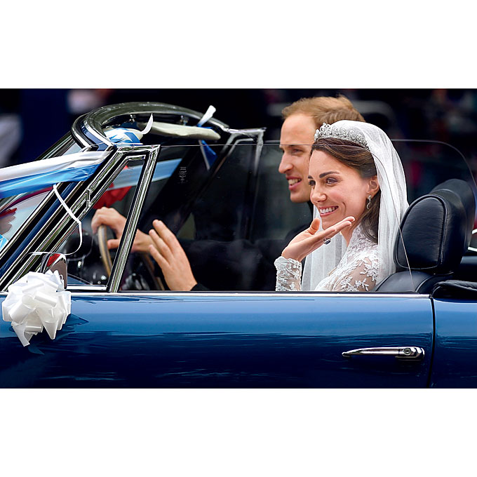 "Photo: Getty Images   The Aesthetic  ""Thanks to Will and Kate, the classic traditional aesthetic is making a comeback this year—it's the new wave in wedding style,"" says Charleston, South Carolina, event designer Tara Guérard   Browse more classic weddings here."