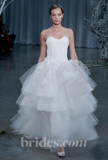 Monique Lhuillier   Gown by  Monique Lhuillier     Browse more Monique Lhuillier wedding dresses.   Photo: John Aquino