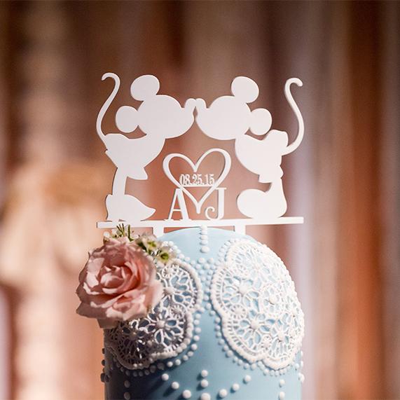 Images courtesy of  McKenzie Stewart Weddings   Korri