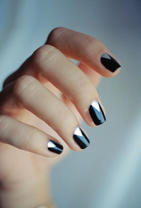 A black-and-silver manicure.  Photo: Hannah Baker via  Pinterest