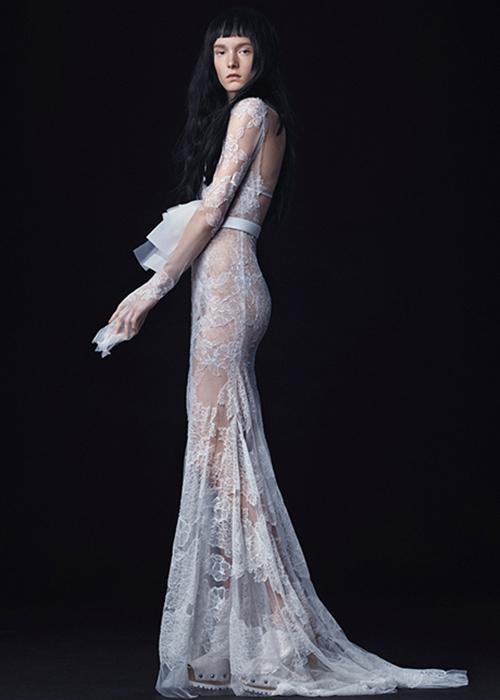 miley-cyrus-wedding-dress-vera-wang.jpg