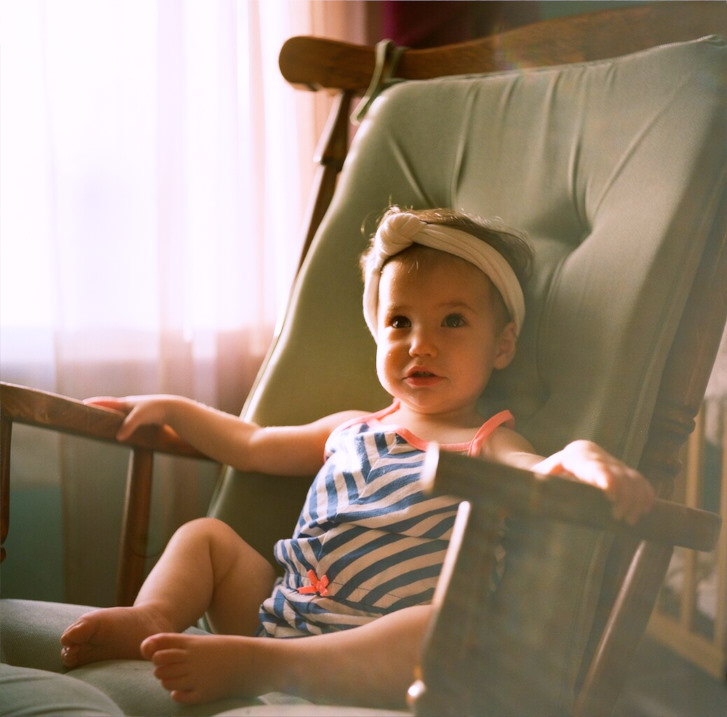 See what I'm saying about the room with the best light? Shot on film: Kodak Portra 120mm, Yashica 635