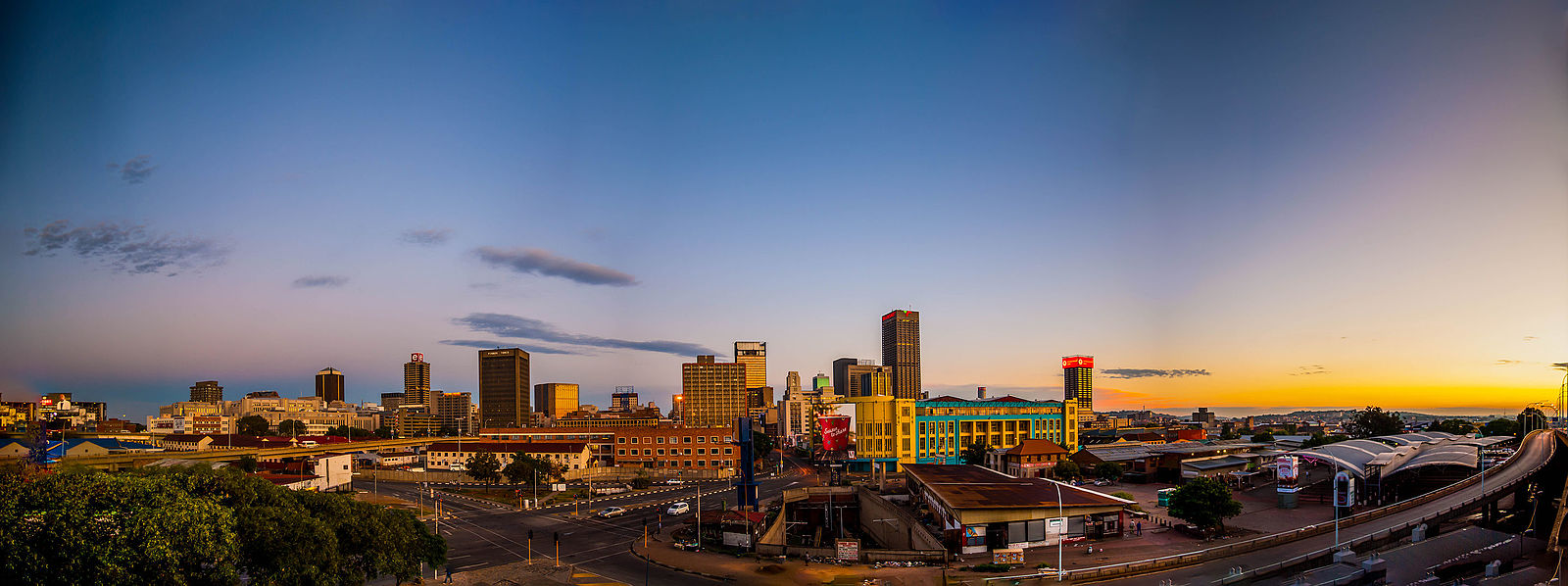 Johannesburg_From_M2_Highway_Looking_North.jpg