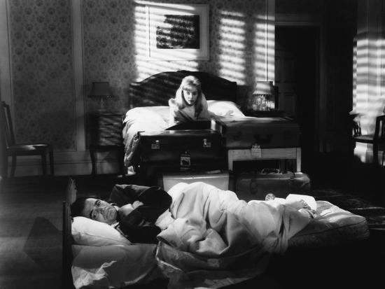 lolita-1962-directed-by-stanley-kubrick-sue-lyon-james-mason-b-w-photo_u-l-q1c1bjp0.jpg