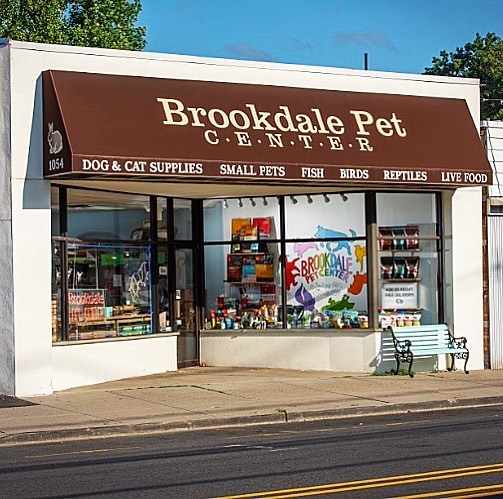 700 followers!! THANK YOU!! We've been a local pet store for 25 years now and through the years we have had the pleasure of working with amazing and diverse pets and owners, local animal rescue organizations, caring and innovative pet food companies, and working to find new homes for pets who need it most. Thanks to all of our wonderful customers and followers who support us in our mission to help all pets live happy and healthy lives!