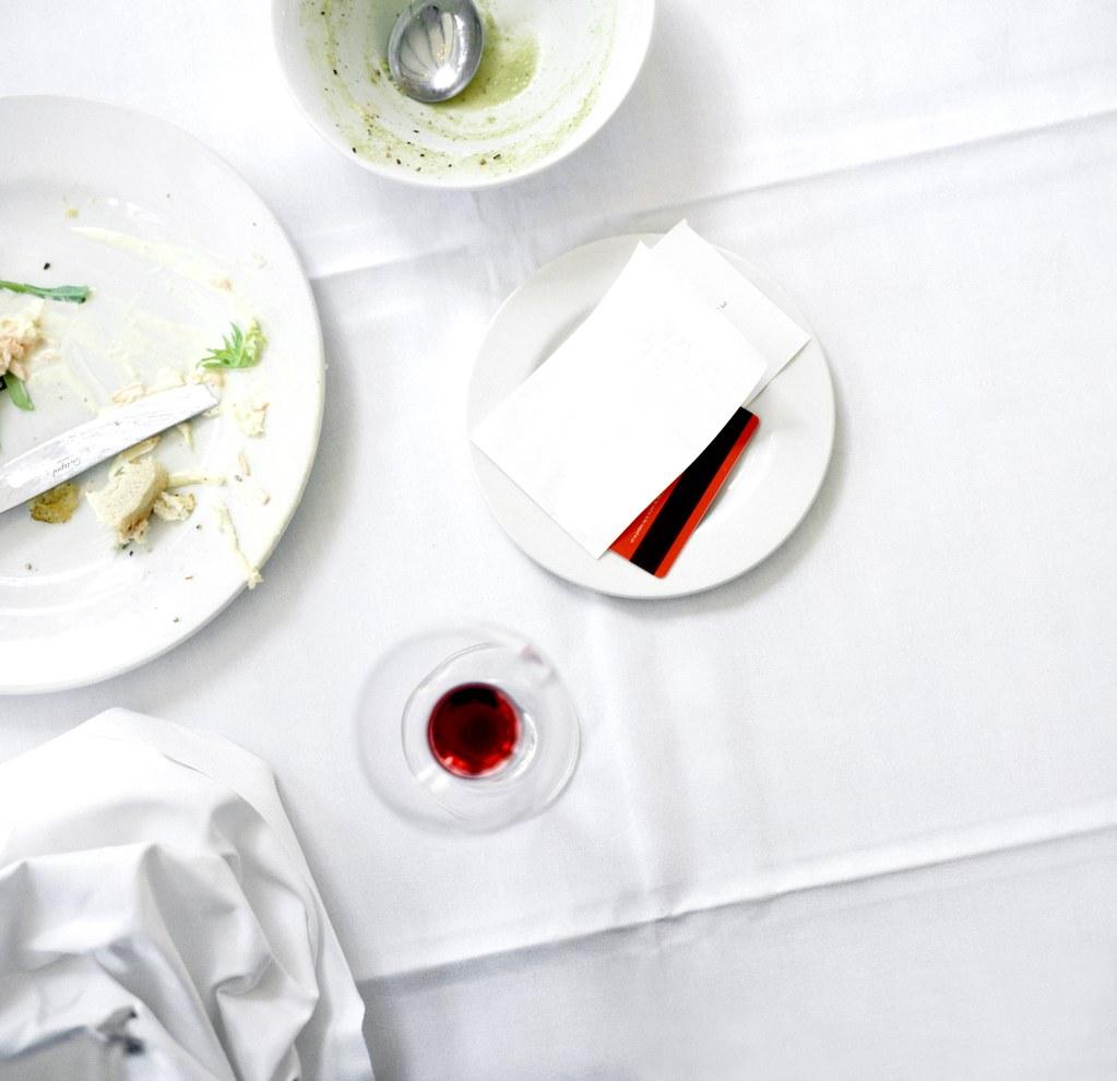 Dunn-The-Quiet-Failure-of-American-Restaurants-No-Tipping-Experiment.jpg