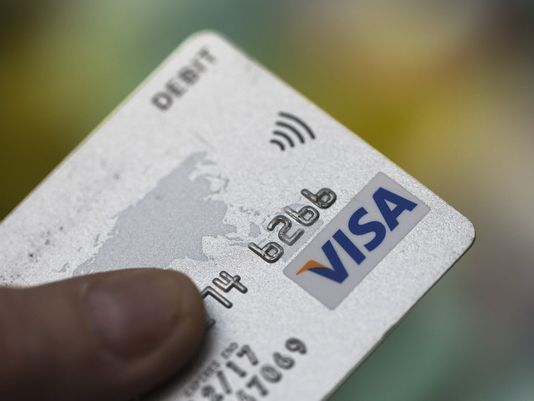 635732762349973764-blm-uk-cashless-payments-73232126.jpg
