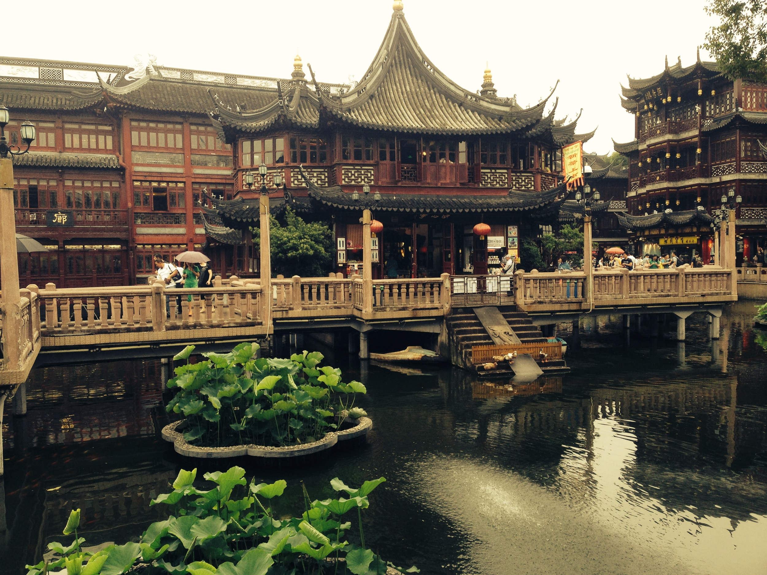 The famous Yu Yuan Garden Tea House in the center of Shanghai.