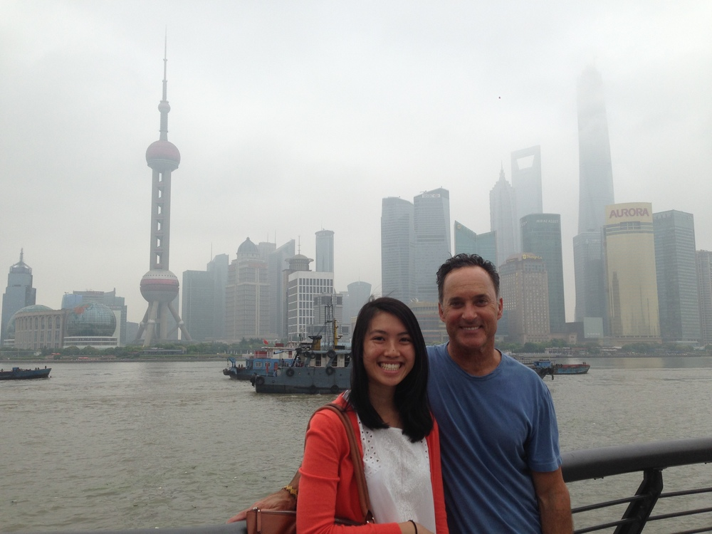 Jessica and Vanessa took me to the river walk called The Bund after my noon presentation.