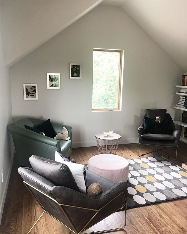 A cozy nook on the top floor of a Westwood Hills addition. . Architects @msarchkc . . . #studiowilde #sjw #construction #kansascity #westwoodhills #addition #residential #residentialdesign #residentialconstruction #construction #architecture #interiordesign