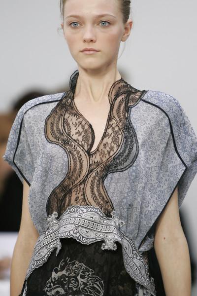 Balenciaga+Spring+2006+Details+q8kmQnv6G8wl.jpg