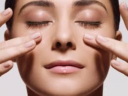 Facial massage promotes strengthening of facial muscles.