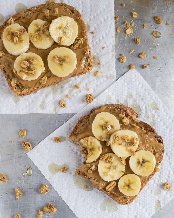 Peanut-Butter-Crunch-Toast-with-Granola-and-Honey1.jpg