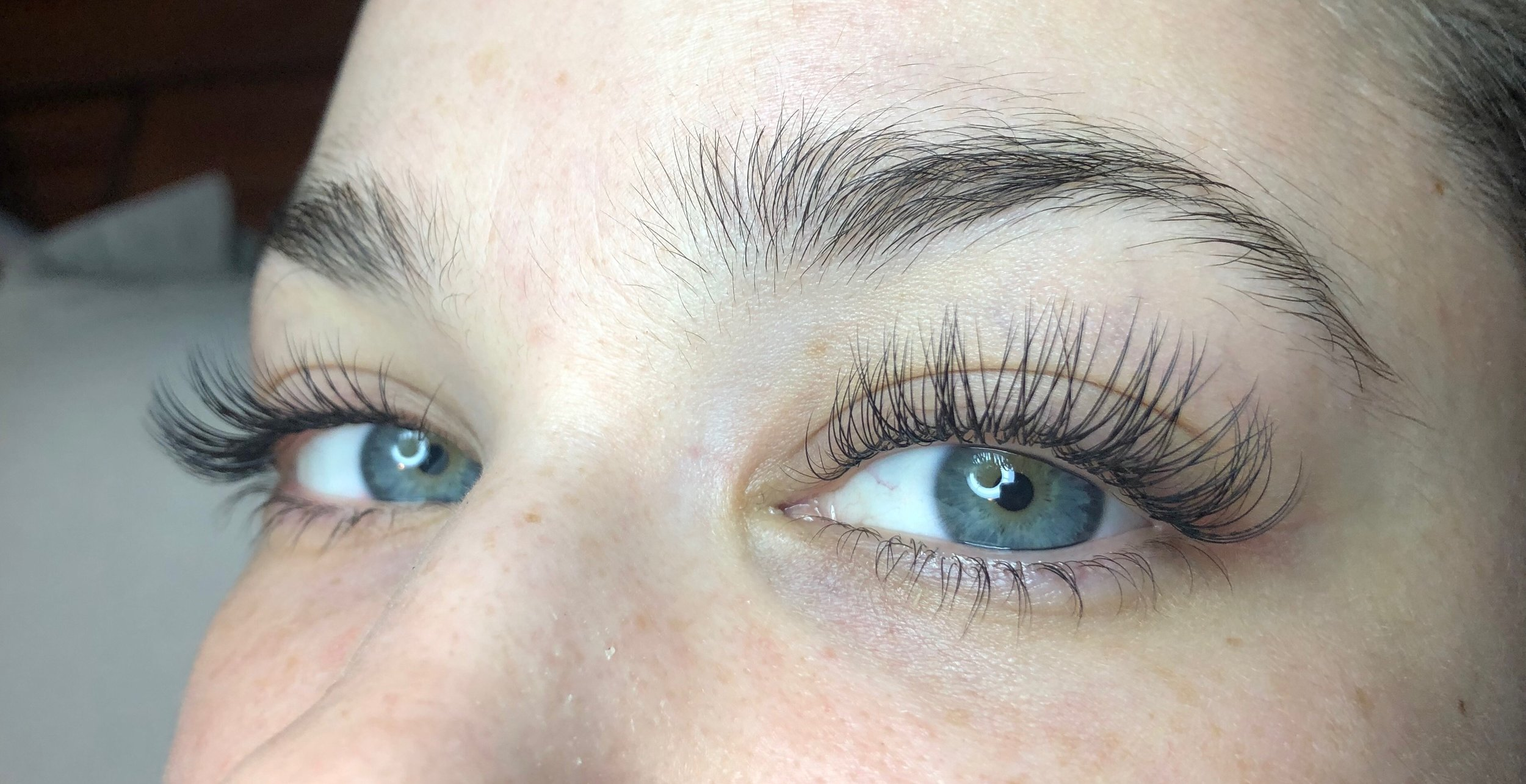 My lashes feel super lightweight and comfortable.