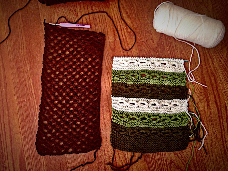 Crocheted Arches Stitch (left) and Knitted Crown Stitch (right)