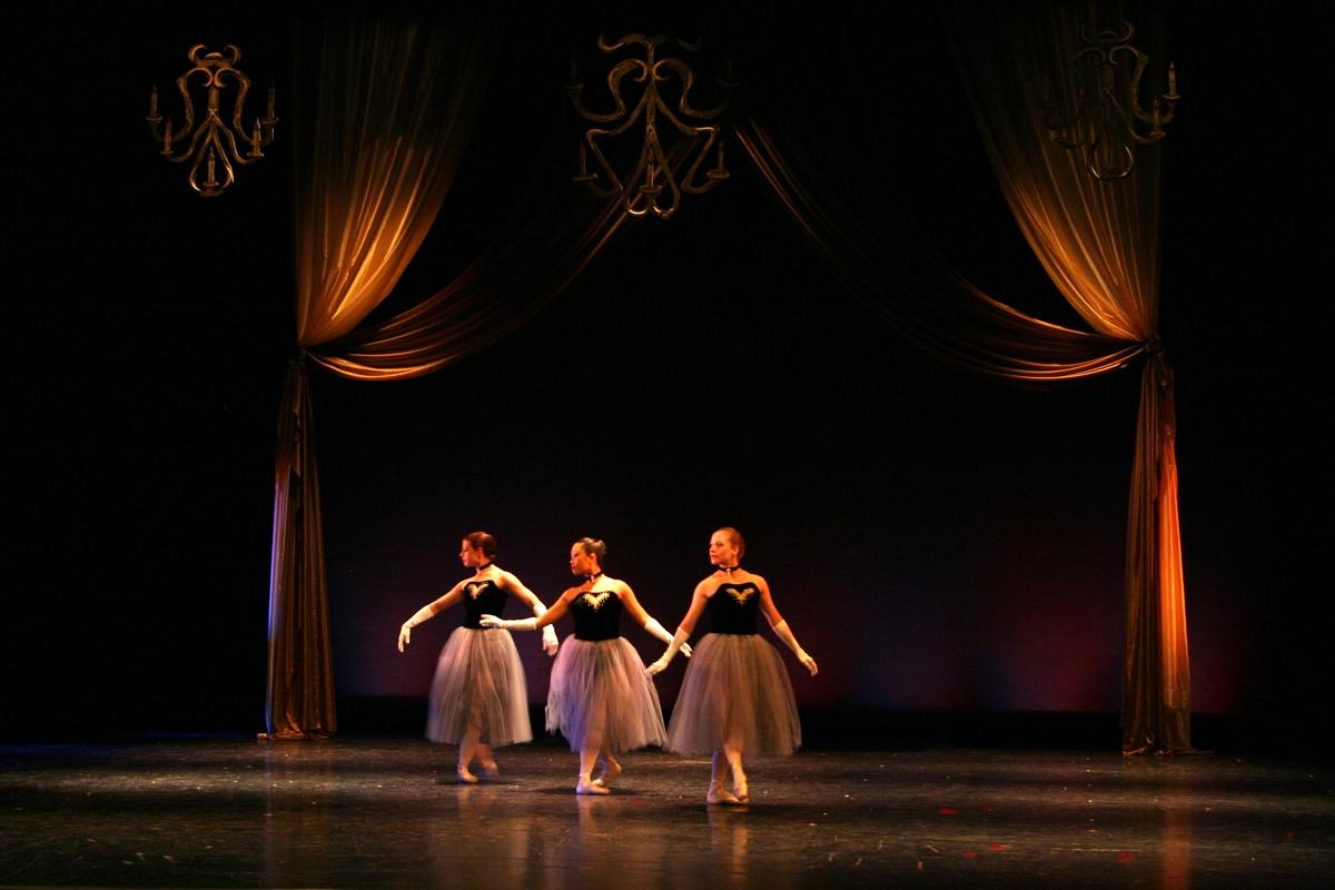 dance9.JPG