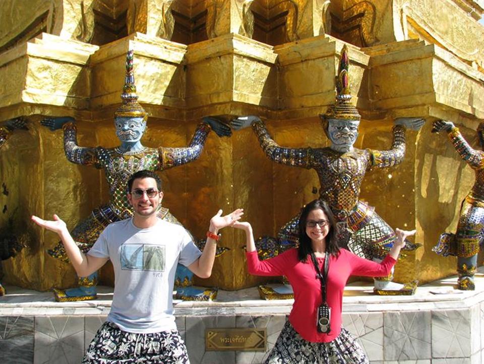 Tailândia! O casal na sua lua-de-mel no sudeste da Ásia em janeiro de 2014.