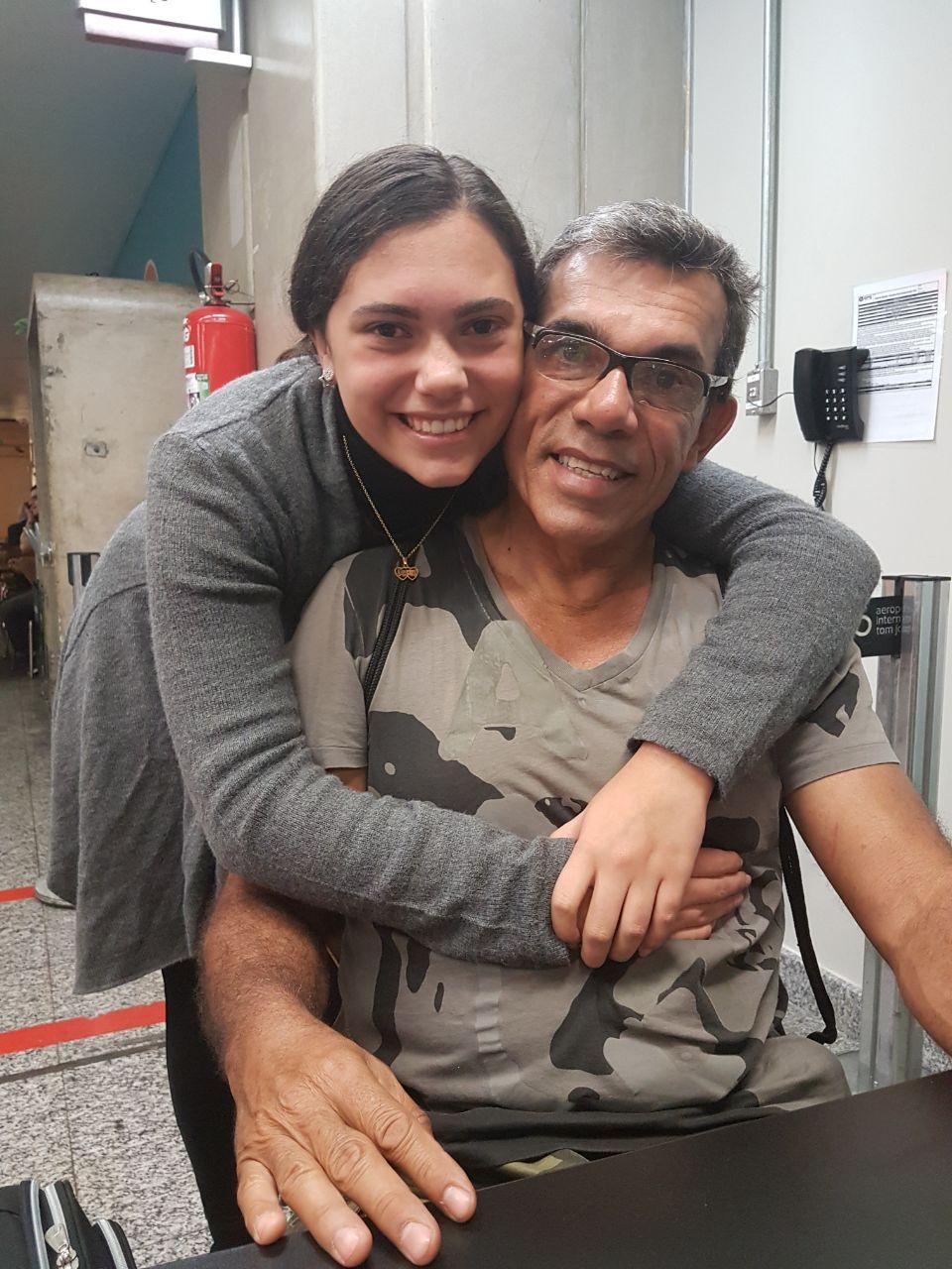 Isabela com o pai