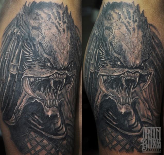 predator+portrait+creature+aliens+tattoo+design+by+best+tattoo+artist+in+mumbai+subhojit+chakroborty+eric+jason+dsouza+from+best+tattoo+parlour+studio+in+india+iron+buzz+tattoos+mumbai.jpg