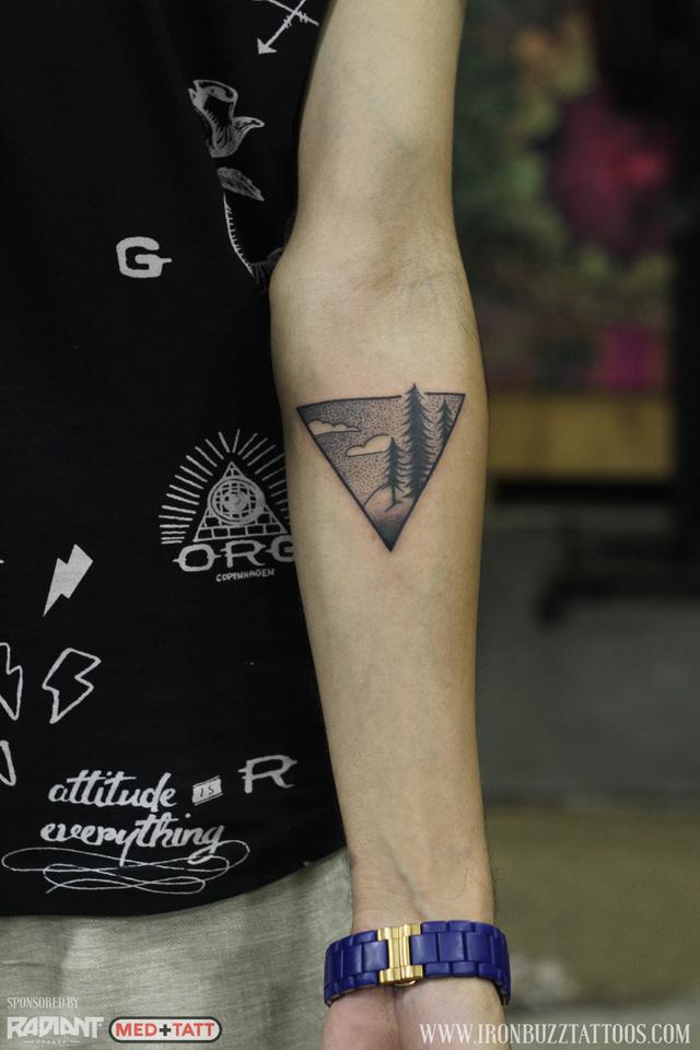 traveler-wanderlust-forest-pine-tress-2-tattoo-by-best-tattoo-artist-jayesh-eric-jason-dsouza-iron-buzz-tattoos-in-mumbai.jpg