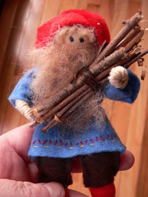 Tomte with bundle of wood (SOLD)