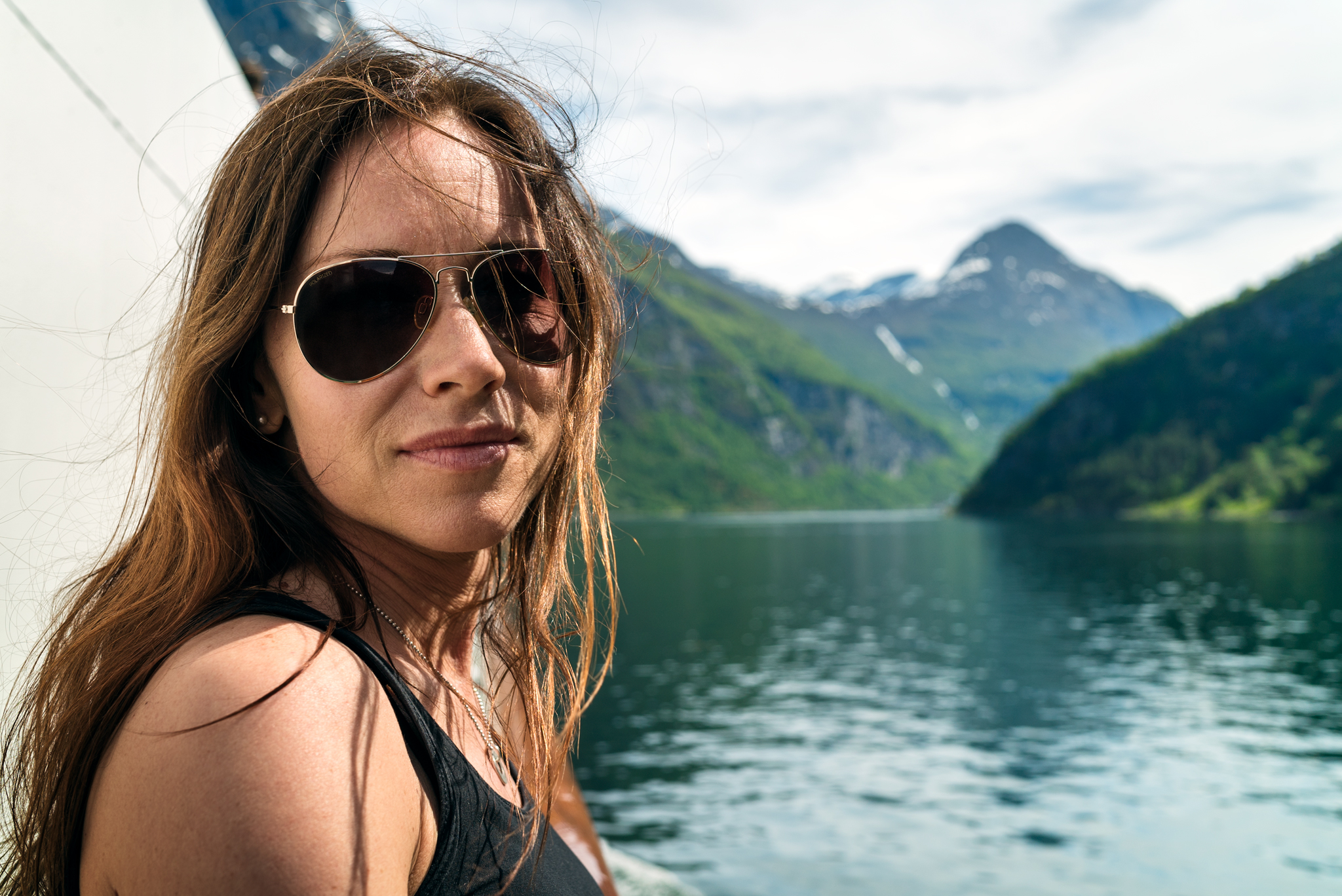 2017.05---68.-stryn-anna-porträtt-båt-geiranger.jpg