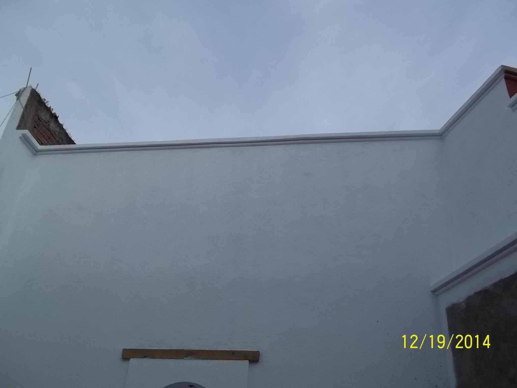 Muro lateral en el fondo del inmueble.  Observen la calidad de la restauración.