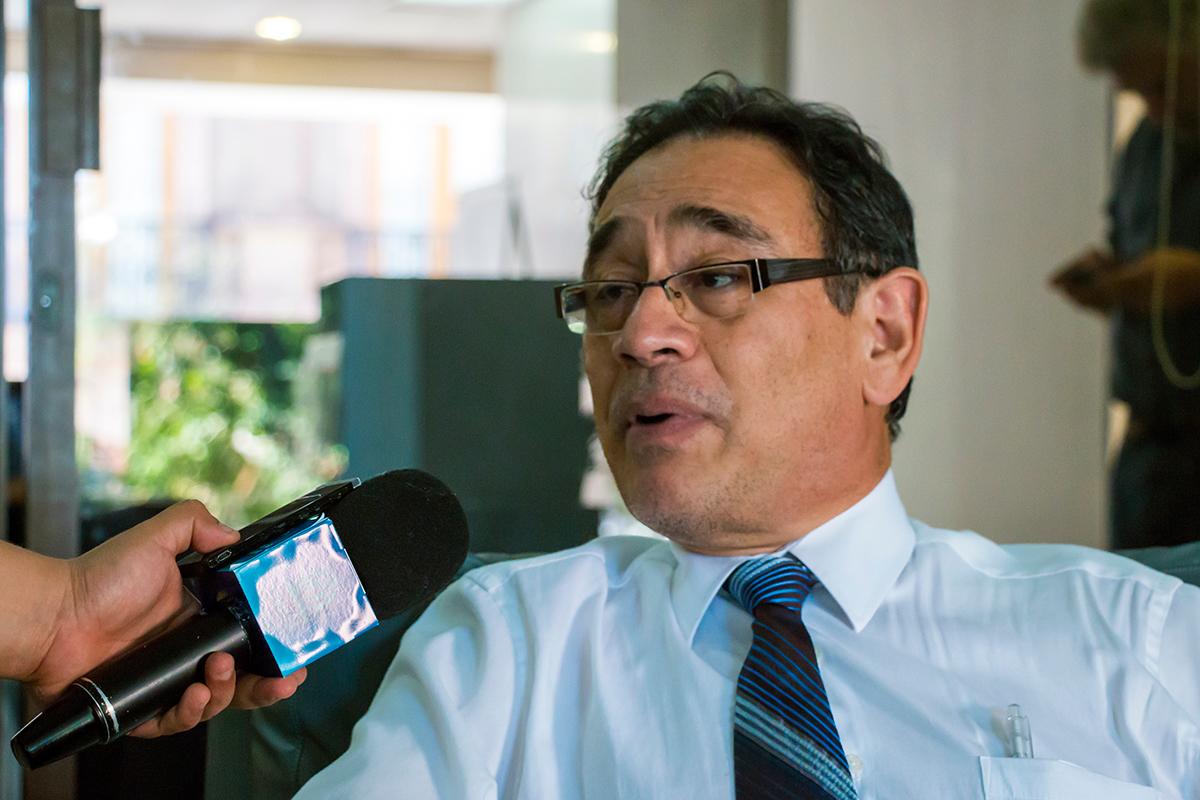 Dr. Juvencio Robles García
