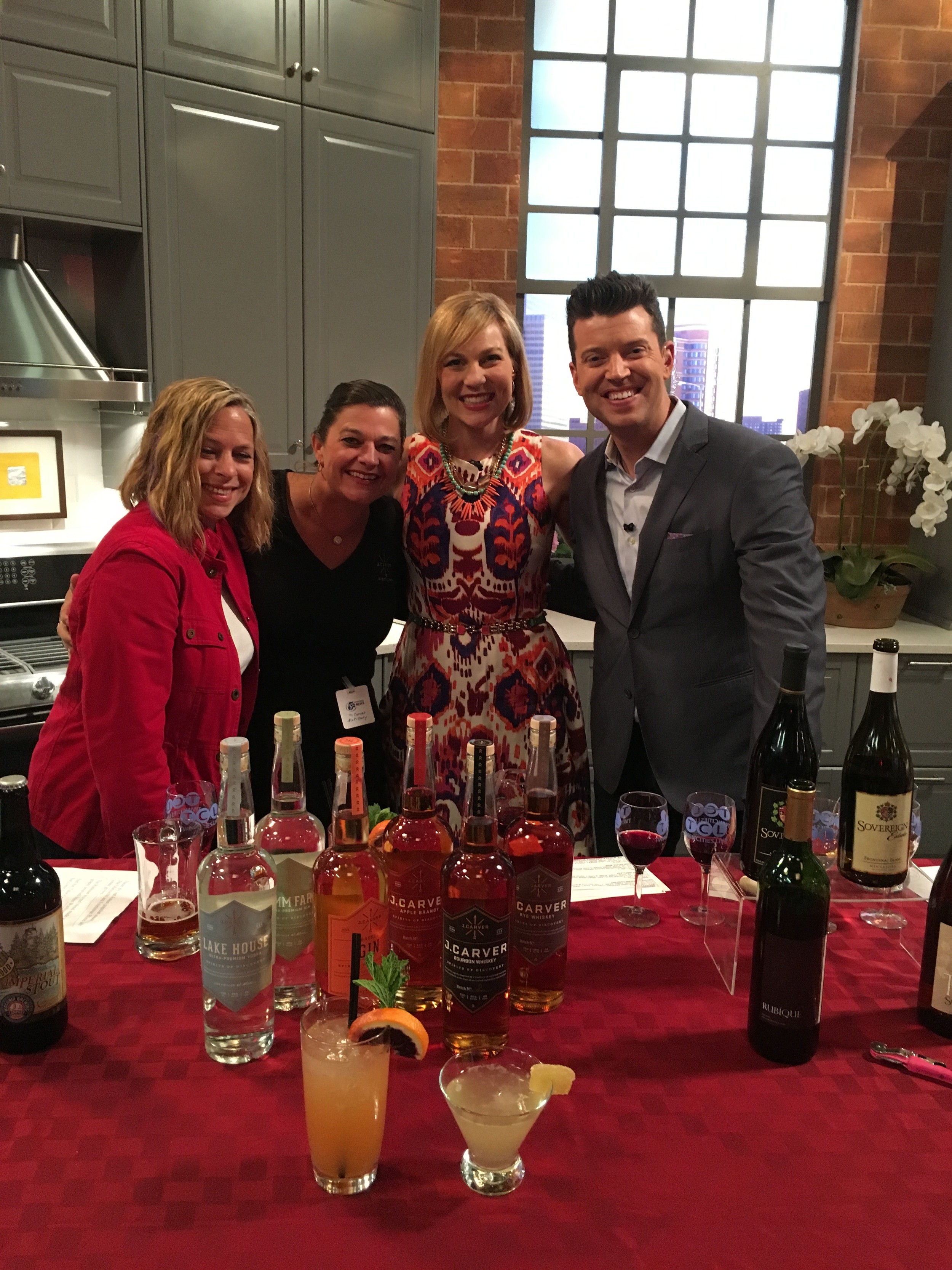 Stephanie March, Gina Holman, Elizabeth Ries, and Steve Patterson hosts of Twin Cities Live