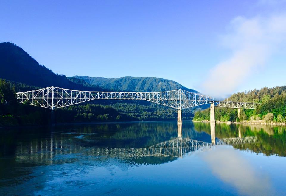 Bridge of the Gods. Columbia River