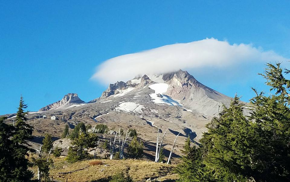 morning clouds on day before leaving. From Timberline lodge
