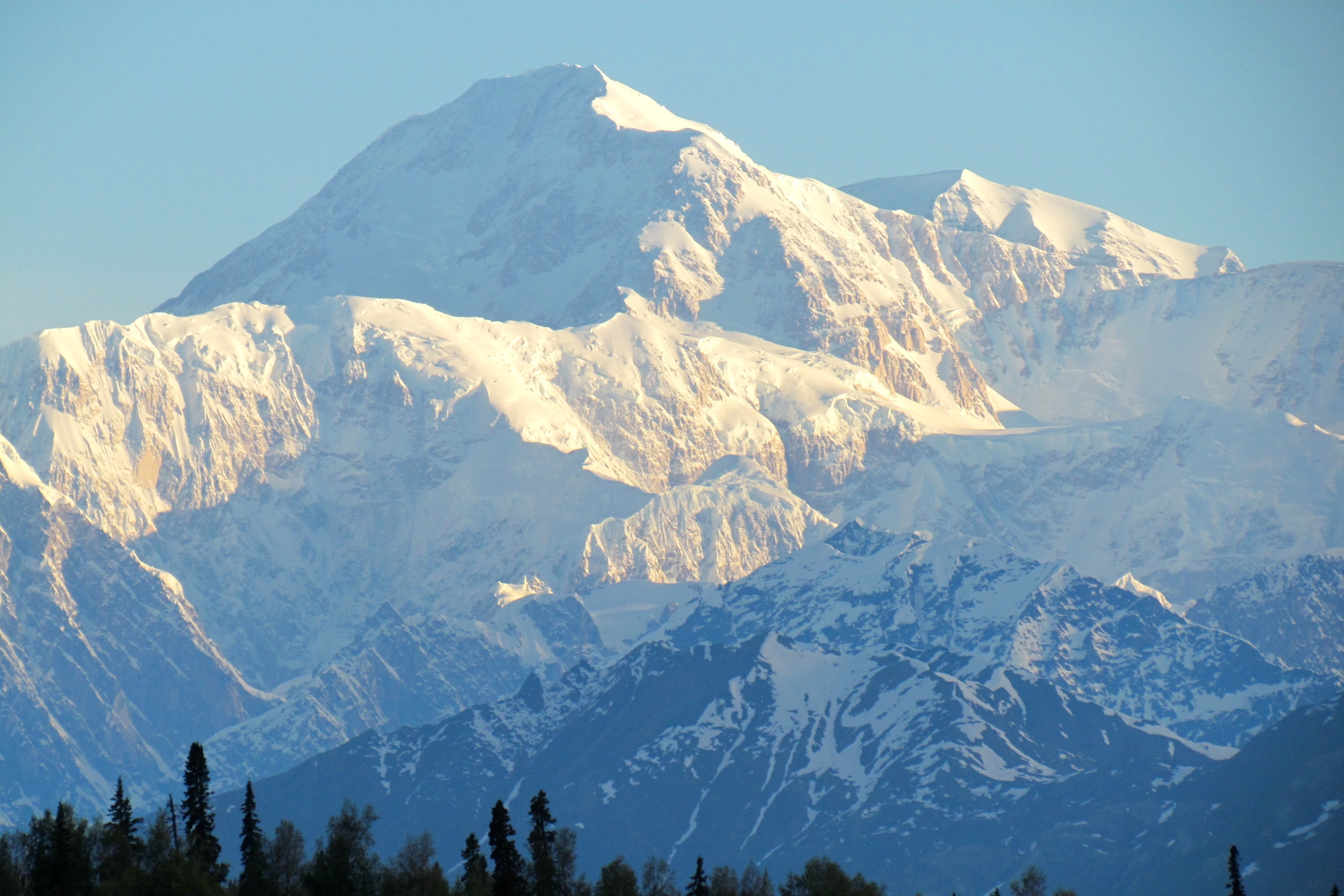 This image of Mt. McKinley at Denali National Park has nothing to do with Vincent Starrett or his book. It's just pretty.