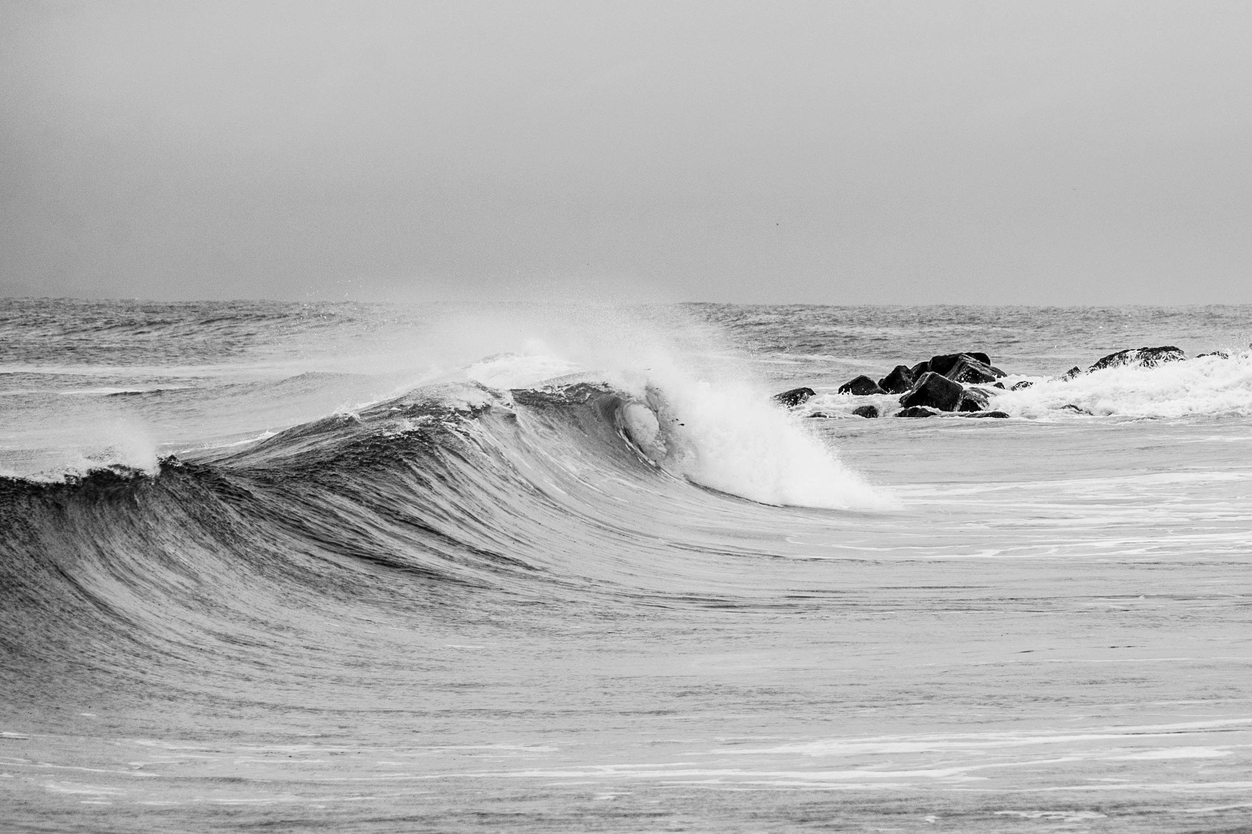 Plenty of puntable sections offered up due to the ENE winds from this swell.