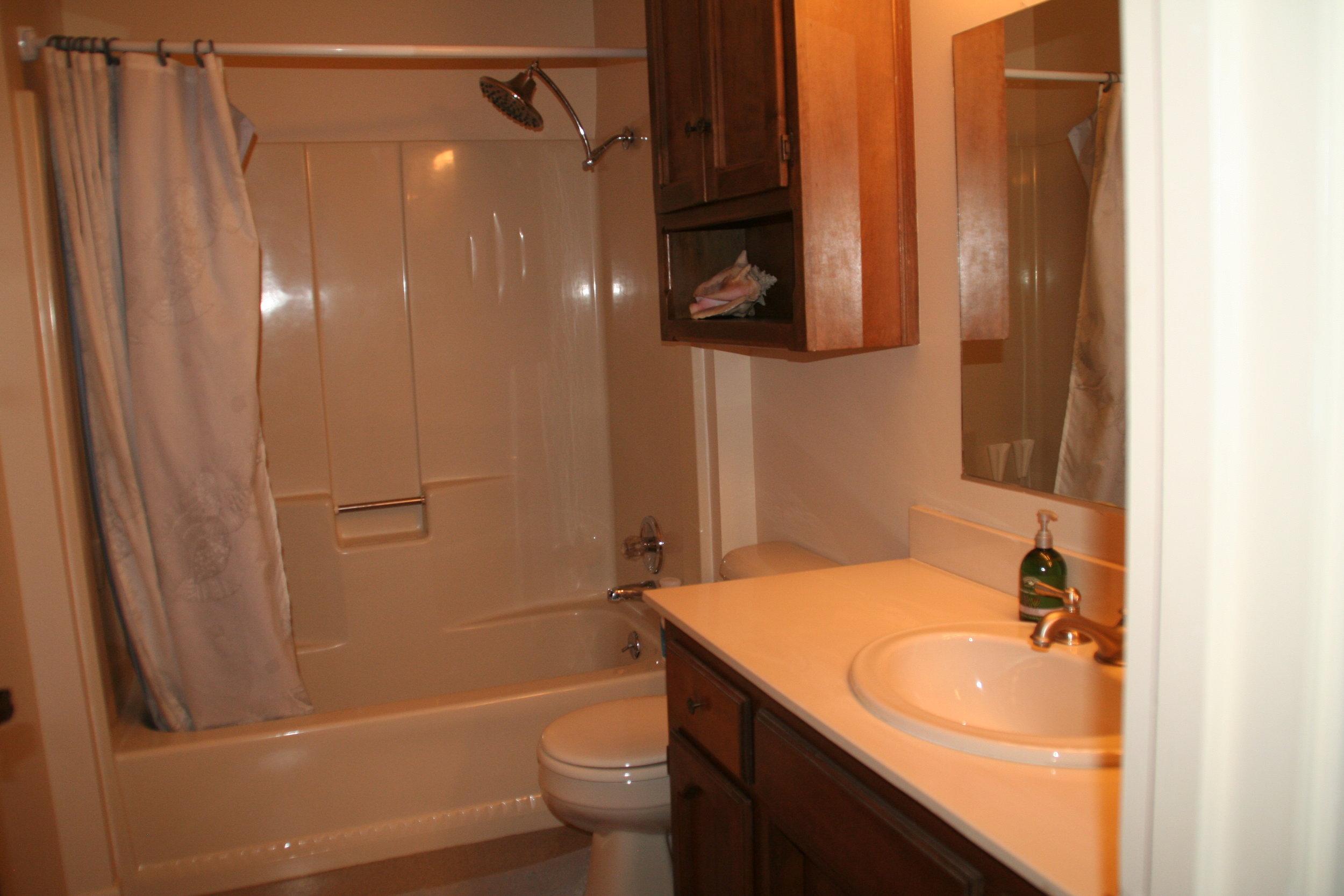 MB_Bathroom.jpg